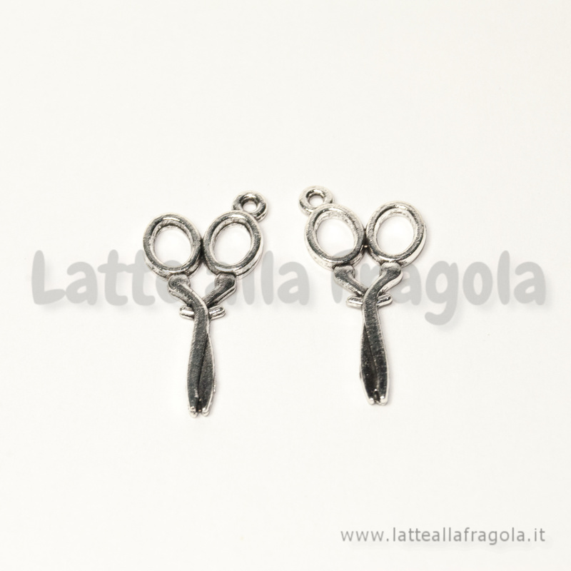 Charm forbici double-face in metallo argento antico 30x14mm