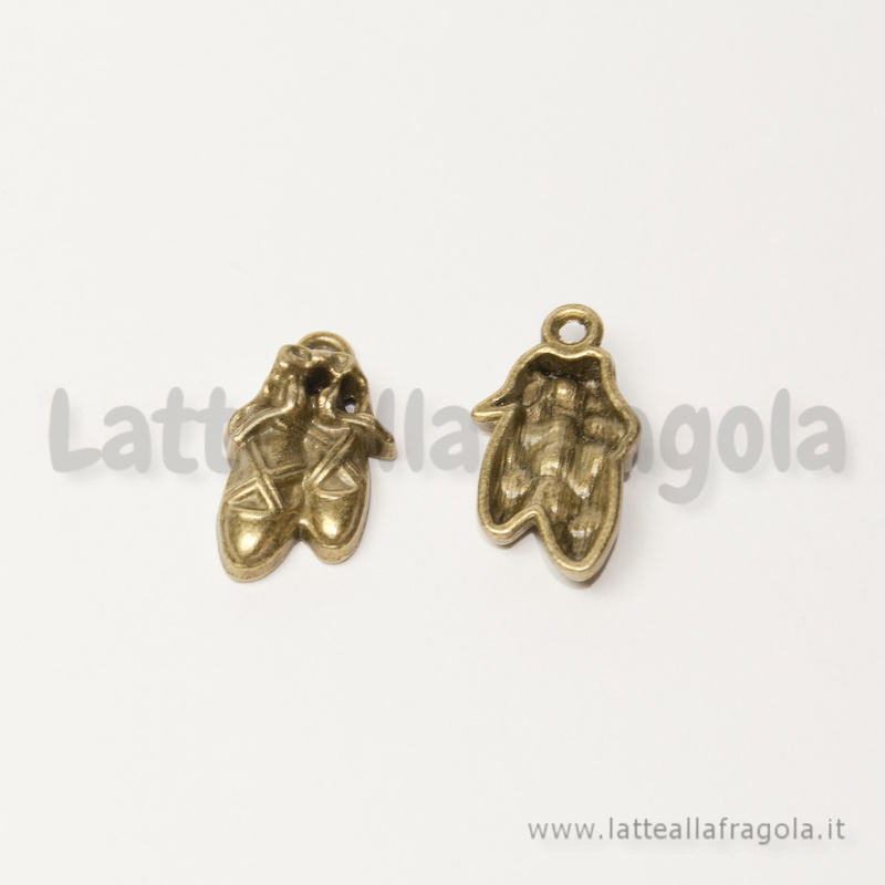 Charm scarpette danza in metallo color bronzo 19x11mm